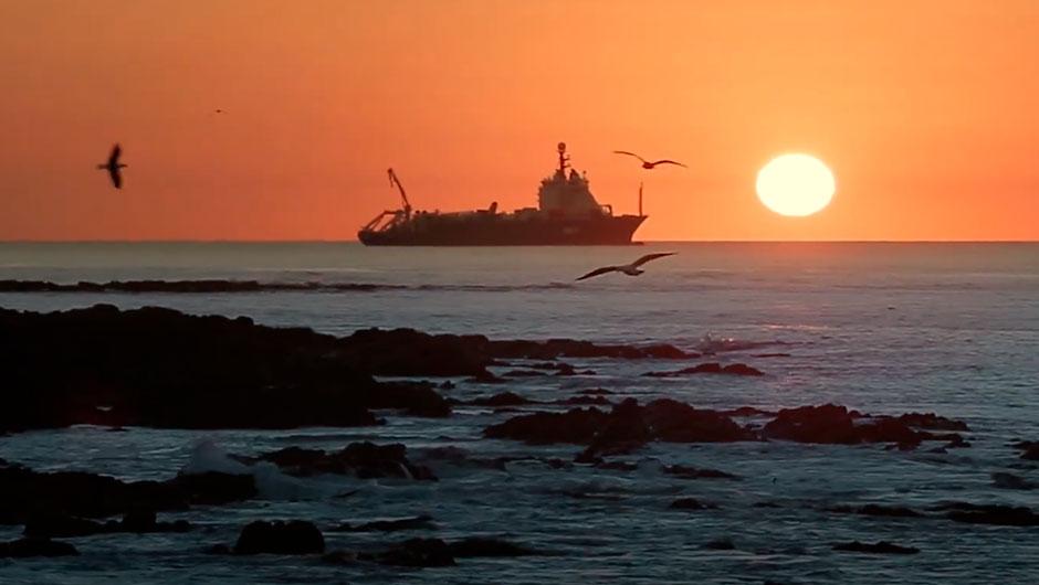 Cable Submarino: La llegada